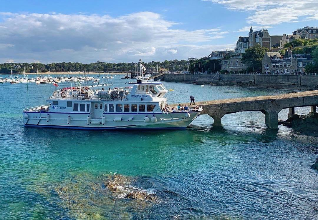 Sea Bus between Saint-Malo and Dinard - Cottages La Mulonnais - © maureen_csnd